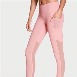 Victoria Sport Knockout Tight lily pink mesh panel